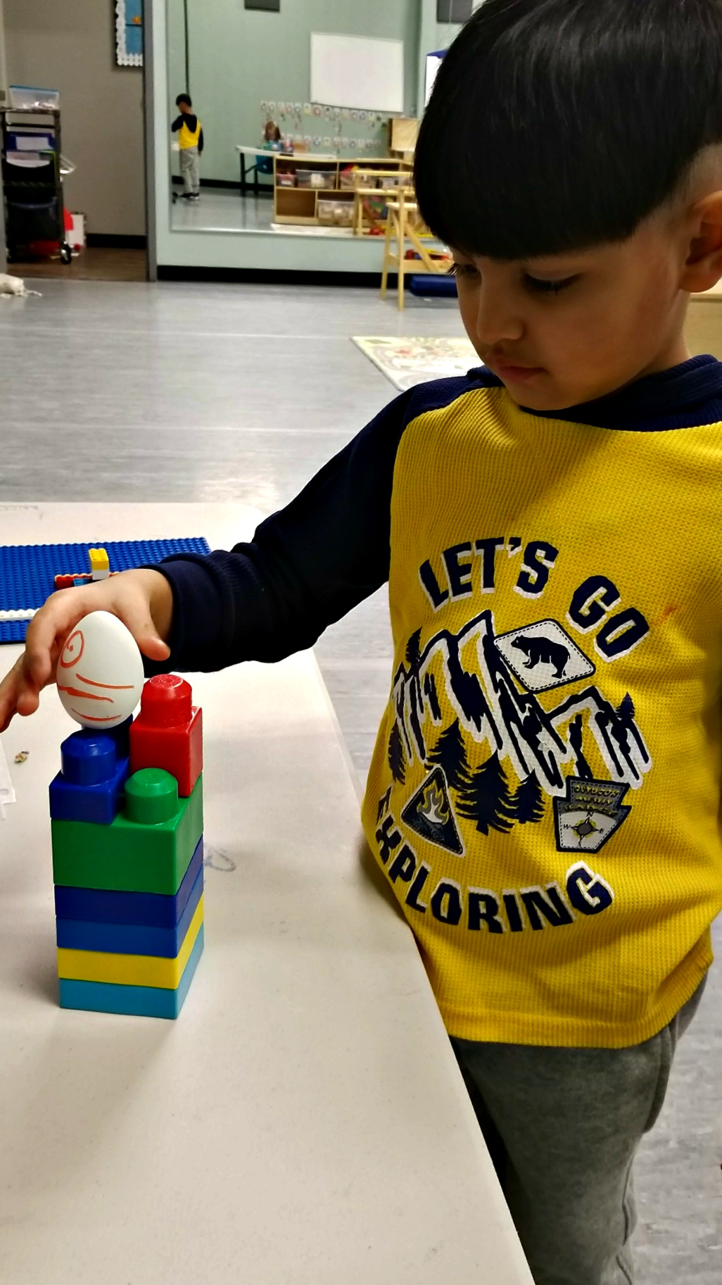 Preschool Theme Our Engineers Went To Work Building A Variety Of Walls For Humpty Dumpty Sit On We Learned Its Hard Round